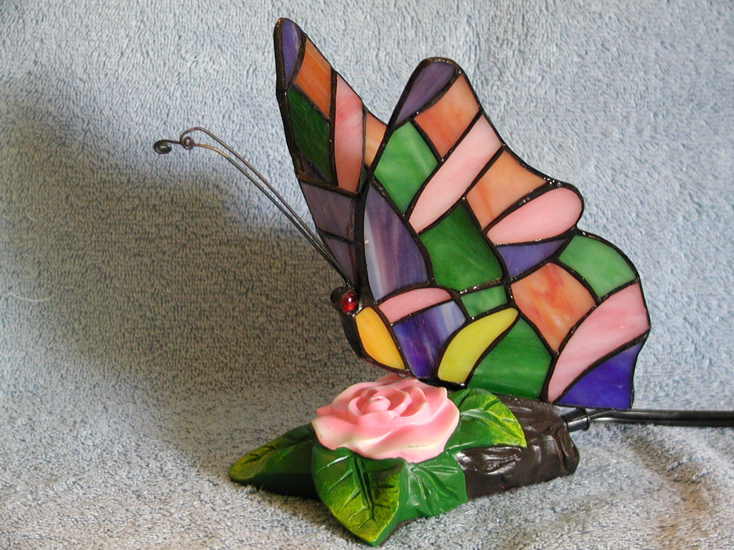accent lamp or nightlight stained glass butterfly. Black Bedroom Furniture Sets. Home Design Ideas