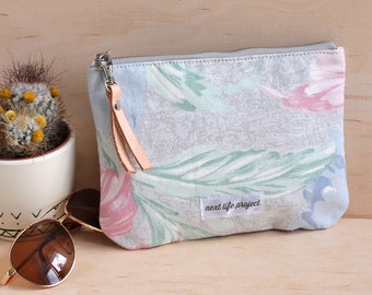 Upcycled floral clutch bag / make up bag / cosmetic case / cosmetic bag / bridesmaid gift / small pouch