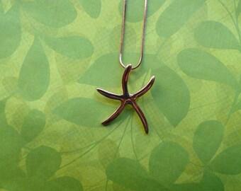 Rose gold starfish pendant necklace