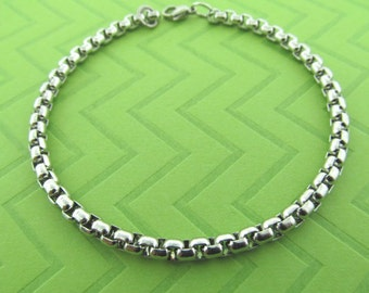 stainless steel heavy chain anklet. avail in 9.5 and 10.5 inches