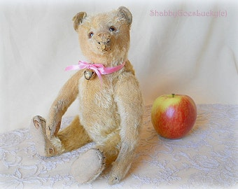 Antique Steiff teddy bear 1912 – 1925 produced 12 inch blonde mohair plush bear with hug-me squeaker, antique German bear in good condition