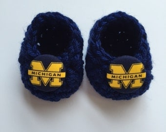 University of Michigan baby booties, baby booties, infant shoes, crochet baby booties, booties for baby, crochet baby shoes