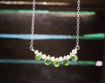 Peridot necklace sterling silver - august birthstone necklace with green peridot and freshwater pearls