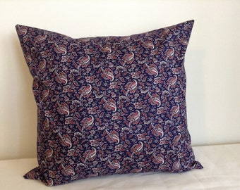 Navy blue paisley 18x18 pillow cover. Navy Blue Pillow. Paisley pillow cover.