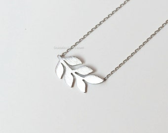 silver Leaf necklace . dainty handmade necklace, everyday, simple necklace birthday gifts, wedding gifts, bridesmaid gifts, gift ideas