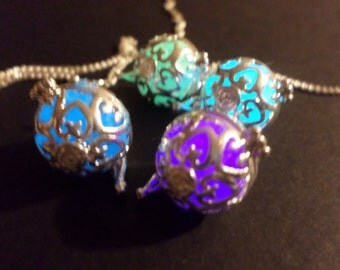 Free, Glowing Necklace ,Glow in the dark necklace , Bola Necklace , 4 Glow Colors , Glow in the dark jewelry