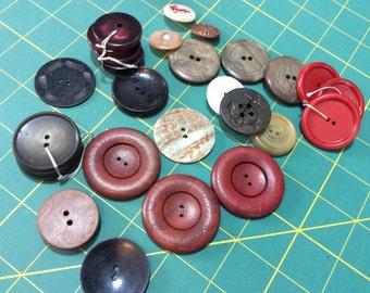 Vintage large buttons, lot