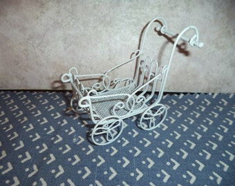 1:12 scale Dollhouse Miniature Stroller