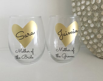2 Personalized Mother of The Bride Gift, Mother of the Groom Wine Glass,Gold Mother of Bride Gift,Gold Mother of the Groom Gift
