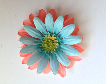 Flower hair clip.