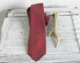 Vintage Burgundy Necktie Vintage Striped Burgundy Pattern Mens Silk Dress Necktie