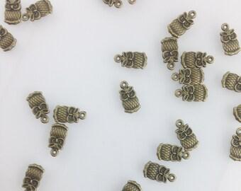 Cute Little Bronze Owl Charm, Owl Charm, Delicate Jewelry Findings, Bird Charm, Animal charm, Bronze Dainty Jewelry Charm //Bracket 1//CZ064