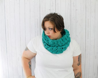 The Bailey Cowl Scarf, Crochet Hooded Cowl, Crochet Cowl, Hooded Cowl in Sea Green, Soft Acrylic