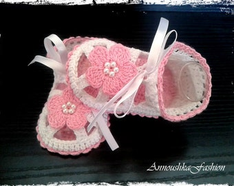 Crochet baby shoes ,white & pink.Crochet Sandals,Girls Crochet Sandals,Cotton Crochet Sandals,Crochet Baby Sandals,