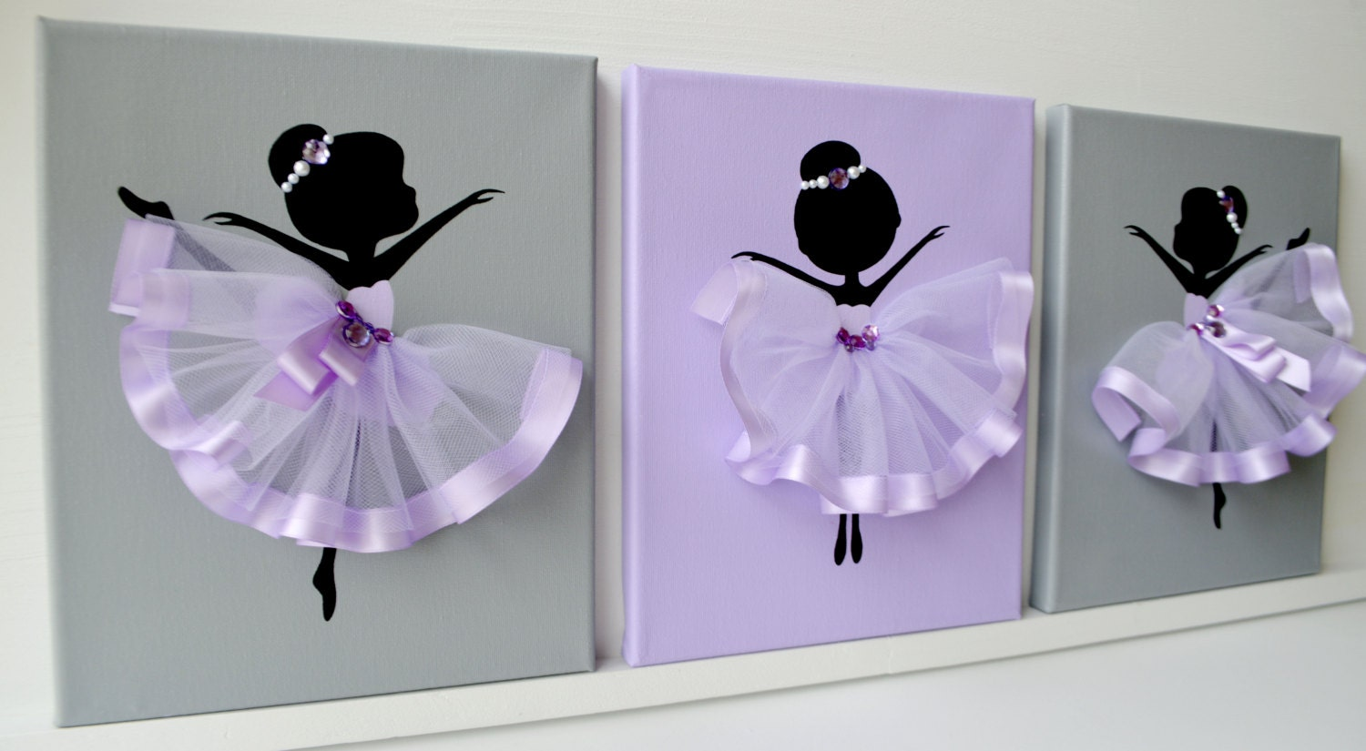 Dancing ballerinas wall decor nursery wall art in lavender for Ballerina decoration
