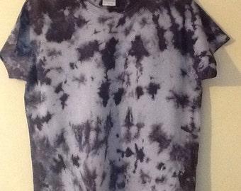 Women's medium black  tie dye short sleeve shirt