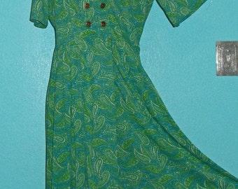 """1960s """"Shelton Stroller"""" Nylon Jersey Day Dress — Paisley Print — Size 12"""