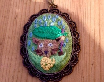 ivintage/boho old-style animal embroidery art necklace/pendant, Umbrela,  Victorian gift jewellery