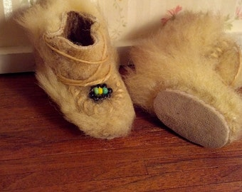 Leather & Fur Miniature Eskimo Boots 17086