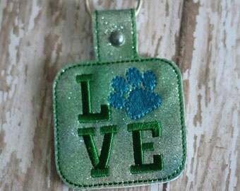 PAW PRINT Love  - In The Hoop - Snap/Rivet Key Fob - DIGITAL Embroidery Design