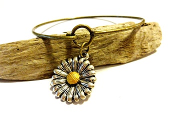 Sunflower Bangle Bracelet, Chic Charm Jewelry,  Brass Bangle Bracelet, Flower Bracelet, Sunflower Jewelry, Infinity Bracelet, Charm Bracelet