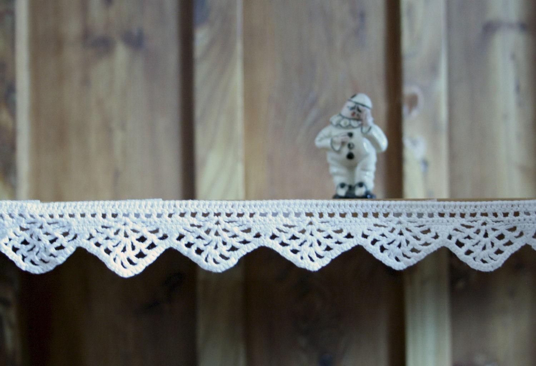 Crochet border for shelves lace trim crochet home decor for Lace home decor