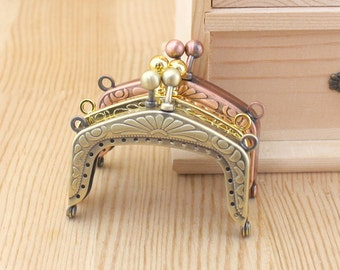 1 PCS, 6cm / 2.4 inch Arched Squared Floral Textured Sew in Kiss Clasp Lock Purse Frame with Beads, K172