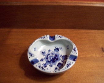 Vintage Royal Delft Holland Hand Painted Blue and White Ash Tray