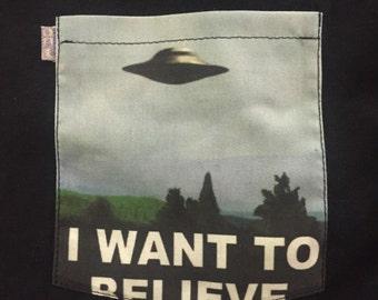 I want to believe pocket tee