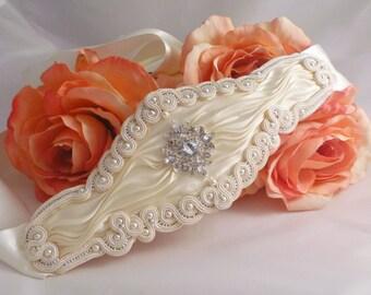 Bridal belt. Brides accessory. Soutache and shibori belt by MollyG Designs. Ivory brides belt. Special occasion accessory.