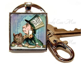 Mad Hatter Keychain with Clip, Key Fob with Clasp, Alice and Wonderland, John Tenniel, Key Chain, Key Ring, Keyring, Vintage, Small Gift