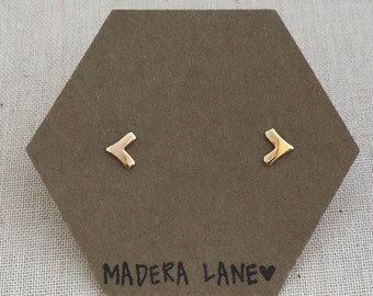 Tiny Chevron Stud Earrings in Gold. Sterling Silver Posts. Geometric Studs. Basic Shape Earrings. Minimalist Everyday Jewelry.