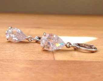 Stunning 18K white gold plated cubic zirconia teardrop earrings