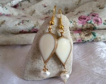 White drop earrings. vintage style earrings. dangle drop earrings. bridal earrings. white earrings. wedding earrings teardrop.