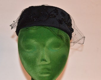 Vintage Estate French Room Stix Baer & Fuller Black Beaded Veil Hat