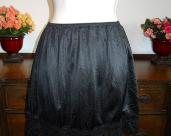 Vintage 1970's ~ Wondermaid Black Antron 111 Nylon Mini Slip ~ Lacy Hem ~ VLV ~ Pin Up Girl ~ Mod Girl ~ Size Medium