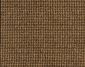 45'' Maywood Studios Medium Brown Houndstooth Woolies Flannel MASF-18503-A2 by the Yard