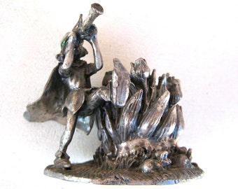 VINTAGE PIED PIPER - Solid Pewter Pied Piper Candle Holder - Fairy Tale Candle Holder - Pied Piper of Hamelin