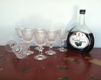 Cordials....Sandwich Glass Set by Duncan & Miller Glass Co.