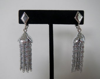 Vintage Sarah Coventry Chandelier Dangle Earrings - clip-on, silver tone - 1960s - homecoming, prom, gala, dressy, classic, holiday, formal