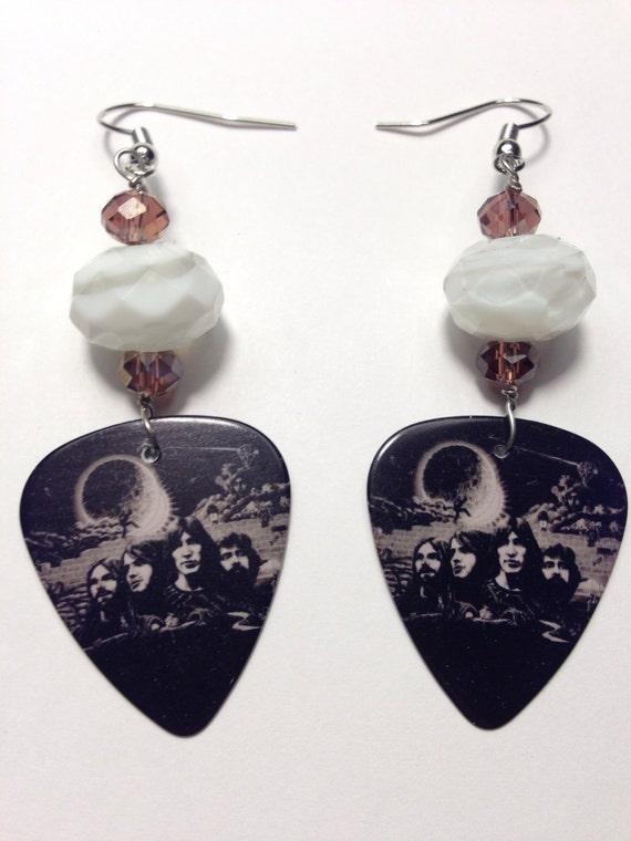 1 pair pink floyd guitar pick earrings. Black Bedroom Furniture Sets. Home Design Ideas