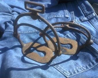 Vintage cast iron stirrup irons - Cavalry stirrup irons - English Saddle Stirrup Irons - Circa 1900