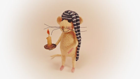 Felted Mouse , Needle felted mouse , Miniature animal , Needle felted animal , Eco Toy , Waldorf Animal , Mouse figure , Art Dolls Mouse