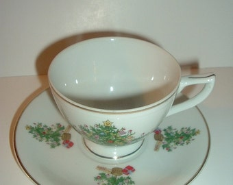 Lefton Christmas Tree pattern Cup & Saucer