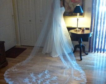 Cathedral Veil , Bridal veil , Lace Veil Beautiful Lace Detail