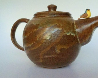 "The ""Minerva"" teapot"