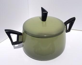 Vintage Avocado Ombre Pot with Black Plastic Handles,Lid, Aluminum, Space Age, Mid Century Modern
