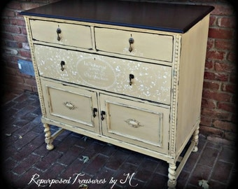 SOLD SOLD! Painted buffet / painted shabby chic buffet / distressed buffet / sideboard / buffet / antique buffet / shabby chic desk