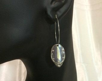 HOOP de DANGLE (1) Earrings