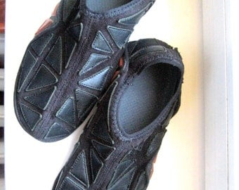 vintage Nike slipper * black leather +elastic fabric * size US 8 / UK 7/ EU 41